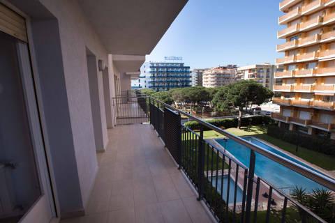 e465b-blanes-apartments-beach--11-.jpg